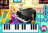 لعبة السا وربانزل والعزف على البيانو